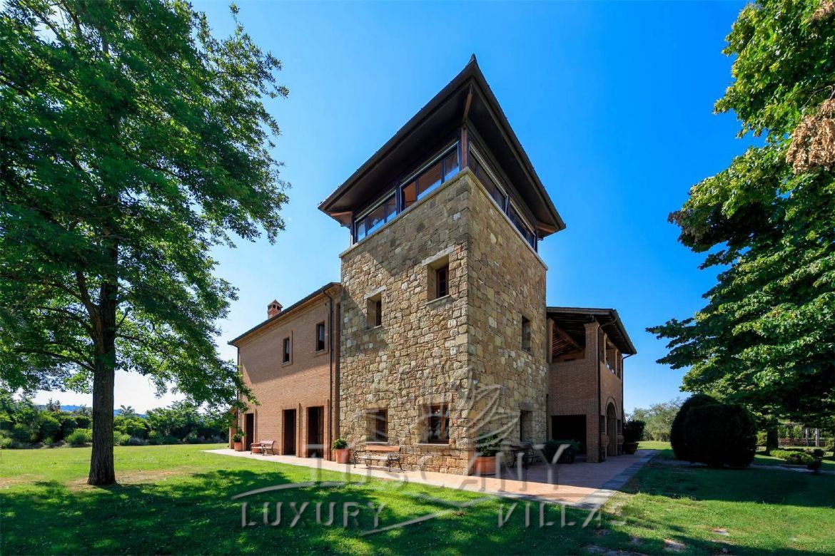 Spectacular winery for sale with panoramic view surrounded by 80 of vineyard in Montepulciano