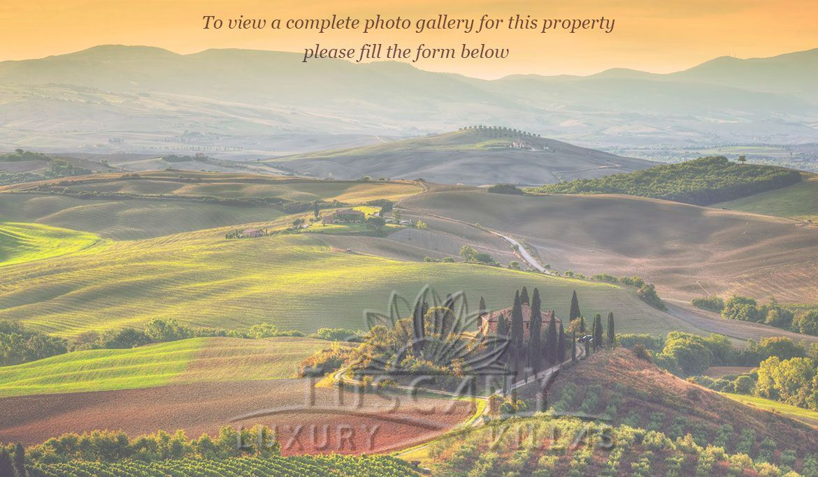 Tuscany Castle for sale with panoramic view and infinity pool