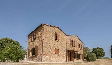Farmhouse for sale near Montepulciano in a panoramic position with 5,5 hectares: Bathroom (with bath)