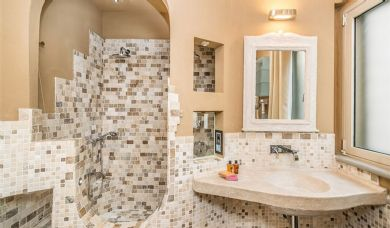 Magnificent property for sale in Tuscan countryside: Bathroom (with shower)
