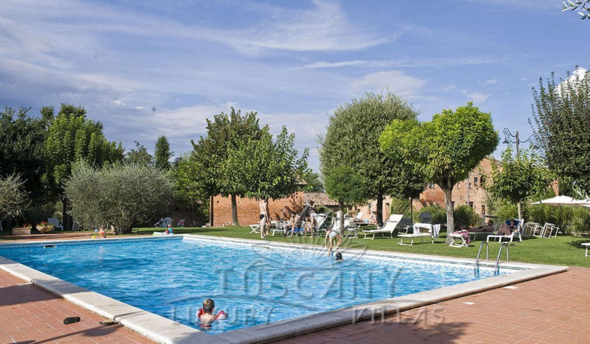 Typical Sienese farmhouse for sale Montepulciano with pool