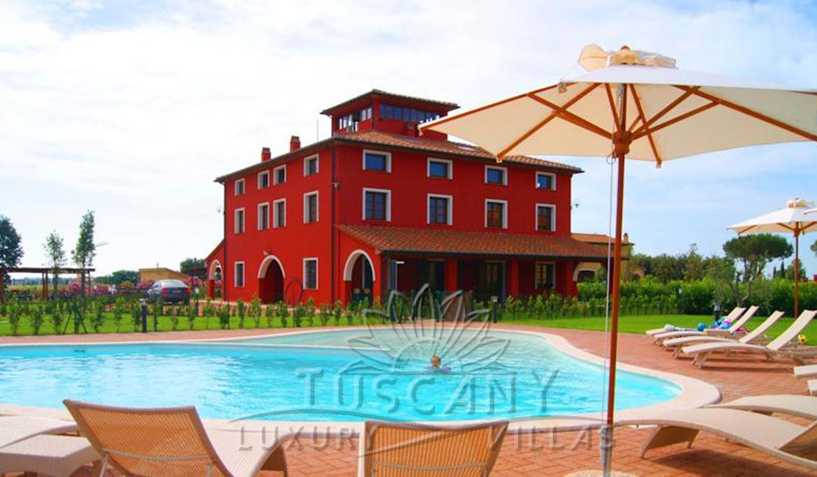 Country estate with pool for sale in Bolgheri with pool and park: Outside view
