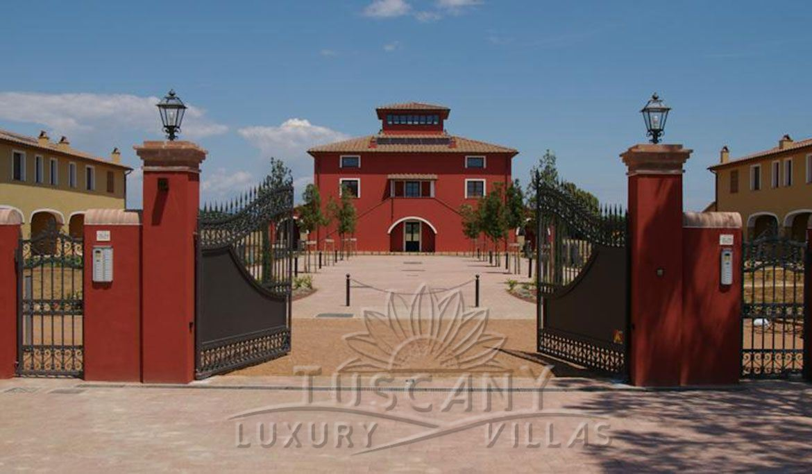 Prestigious country estate with pool for sale in Bolgheri with pool and park