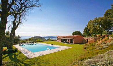 Exclusive luxury villa for sale in Monte Argentario with pool: Terrace