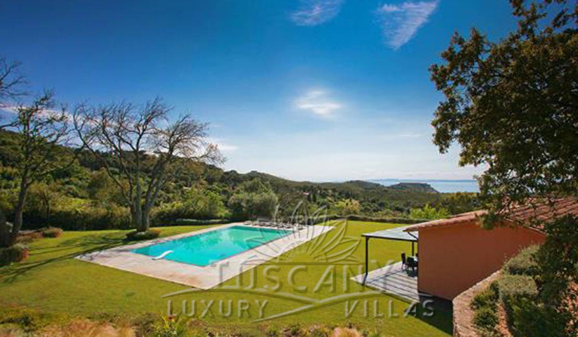 Exclusive luxury villa for sale in Monte Argentario with pool: Swimming pool