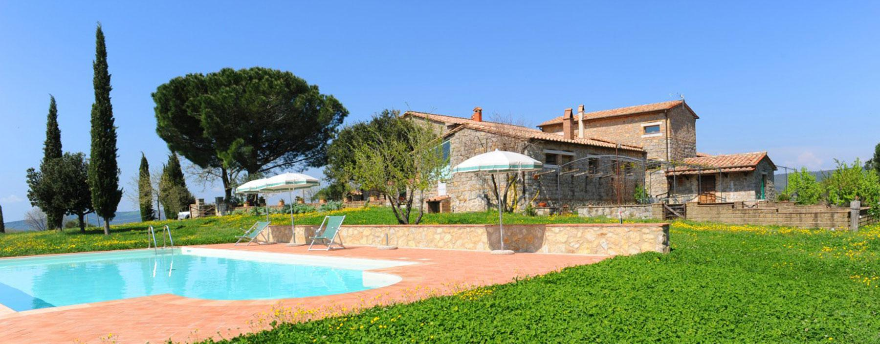 Farmhouse for sale near thermal park with olive grove